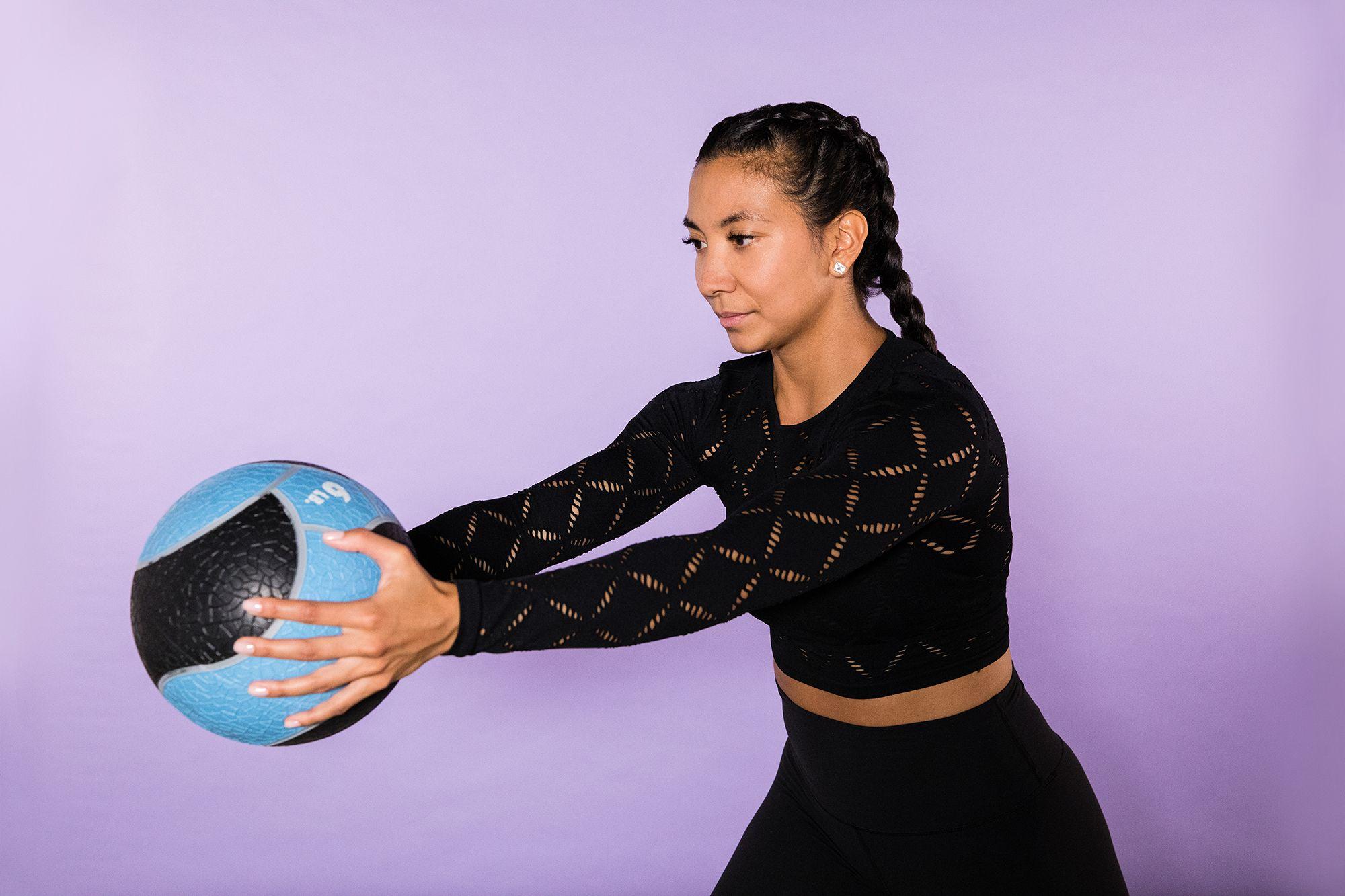 entrainement crossfit avec medecine ball
